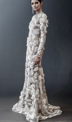 Beautiful unique wedding dress with appliques and crystals in a fit and flare… - Braut Best Wedding Dresses, Bridal Dresses, Wedding Gowns, Wedding Outfits, Beautiful Gowns, Dream Dress, Bridal Style, Evening Gowns, Designer Dresses