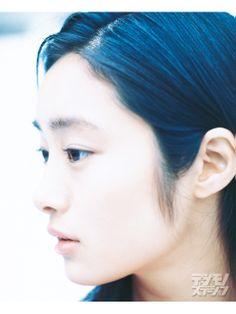 Bee // Shiori Kutsuna , Kutsuna Shiori (忽那汐里)