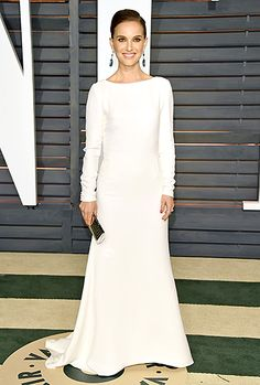 Natalie Portman returned to the Oscars scene in a crisp, long-sleeved white dress by Dior, teamed with Eddie Borgo baubles.