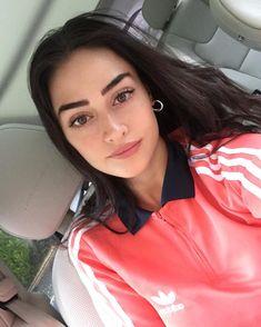 Turkish Fashion, Turkish Beauty, Foreign Celebrities, Netflix, Esra Bilgic, Wife Pics, Aloe Vera For Hair, Muslim Beauty, Cute Girl Face