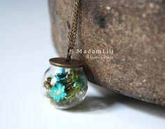 Real dried flowers and moss necklace di MadamLili® ♥ Gioielli nostalgico per romantici ♥ l'originale dal 2009  su DaWanda.com