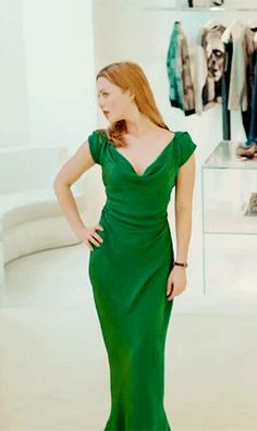 Robin in the green dress Tom Burke Cormoran Strike, Holiday Grainger, Movies And Series, Tv Series, Future Clothes, Green Dress, Frocks, Pretty Dresses, Runway Fashion
