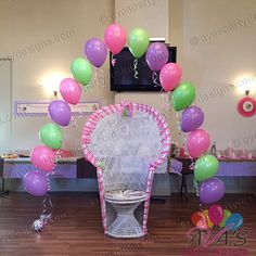 String-of-Pearl Baby Shower balloon arch #partywithballoons
