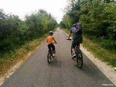Balade à vélo sur la Via Venaissia - http://www.provence-en-famille.fr