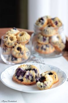 Mini blueberry Gugl Informations About Mini Heidelbeer-Gugelhupfe Mini Desserts, Summer Desserts, No Bake Desserts, Summer Recipes, Blueberry Cake, Blueberry Recipes, Cheesecake Cupcakes, Baking Recipes, Cake Recipes