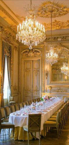 French Interior, Classic Interior, Luxury Dining Room, Dining Room Design, Palace Interior, Interior And Exterior, Modern Exterior, Classic Decor, Shangri La Paris