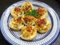 Gefüllte Kohlrabi  #kohlrabi #gefüllt #stuffed #kartoffel #potatos #champignons #mushrooms #käse #cheese #bechamel #überbacken #yummy #regional #saisonal #kohlrabiwoche #kuechenlaerm