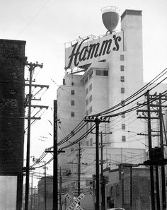 Pour a little out for SF's greatest sign ever: Hamm's Brewery - San Francisco Chronicle San Francisco California, San Francisco Bay, Sacramento, Hamms Beer, Brahma, San Francisco Earthquake, Brooklyn, Vintage California, Beer Signs