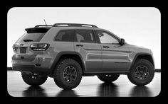 Jeep already sells the 2013 Grand Cherokee TrailHawk. Now they unveiled a concept of Jeep Grand Cherokee Trailhawk II. This beast packs and a diesel. Jeep Cherokee Trailhawk, Jeep Trailhawk, Auto Jeep, Mopar Jeep, Jeep Wk, Jeep Srt8, Jeep Wrangler, Suv Cars, Jeeps