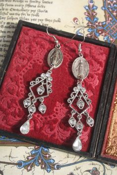Your place to buy and sell all things handmade Red Jewelry, Royal Jewelry, Skull Jewelry, Gothic Jewelry, Vintage Jewelry, Handmade Jewelry, Celtic, Medieval Jewelry, Unusual Jewelry