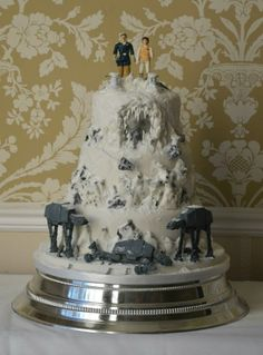Hoth wedding cake