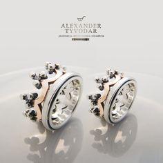 ALEKSANDR TIVODAR - Corona (gold)- Obrączki ślubne z różowego i białego złota. Styl bizantyjski.