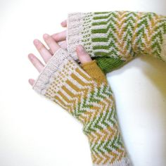 ziggy fingerless gloves