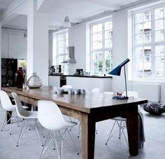 AJ table lamp by Arne Jacobsen [h: 56cm | w: 21.5cm | bulb: max 60W, E27], made by: http://www.louispoulsen.com/en.aspx