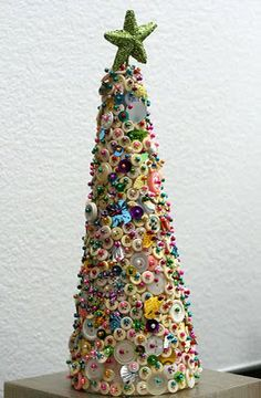 Vintage button Christmas Tree