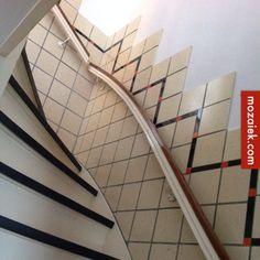 Mozaiek.com Utrecht – dubbelhardgebakken vloer ontwerpen bij jaren 30 tegellambrisering bij trap en gang voor Dantelaan   ontwerp-uitvoering volgt!