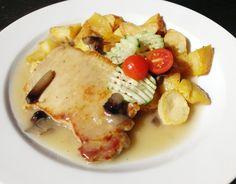 Denné menu Vranov | Filé z bravčového mäsa s hlivou ustricovou a opekané zemiaky #DenneMenu #Restauracia Restaurácia Hotel Patriot*** #Steak #File #BravcovySteak #OpekaneZemiaky