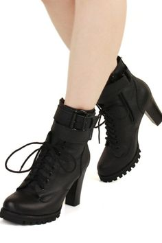 Pin Buckle Strap Embellished Lace-up Ankle Boots