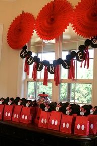 party favors, favor bags, gift bags, mickey mouse, birthday parties