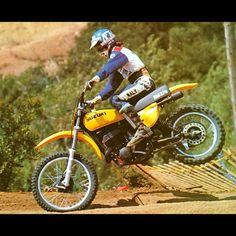 Pete Maly testing out the fork performance on the groundbreaking new 1976 Suzuki RM370 - @motocrossactionmag #Zook #PowerReed #OpenClassHauler #GreatBike #Motocross #YellowMagic #ScreamingYellowZonker #70sMoto