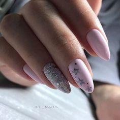 Semi-permanent varnish, false nails, patches: which manicure to choose? - My Nails Pastel Pink Nails, Pink Nail Art, Purple Nails, Solid Color Nails, Nail Colors, Nagellack Design, Grunge Nails, Fall Acrylic Nails, Pink Nail Designs