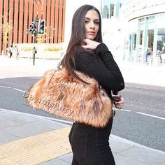 Features Amazinglysoftt, silky and luxury redl fox fur. 2 leather handles Metal magnetic snap to close bag 2 Interior zippers, Zipper opening Lightweight, easy to carry Beautiful everyday bag Brand: DAYMISFURRY Fur Bag, Red Fox, Everyday Bag, Fox Fur, Leather Handle, Street Fashion, Ootd, Shoulder Bag, Handbags