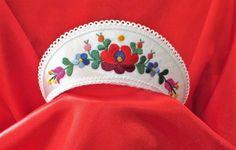 Menyasszonyi párta-matyó