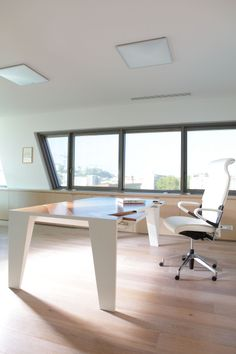 Office industrial style in Rotterdam, by Sprank Interior, chairs by ...