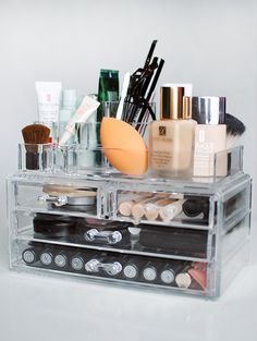 Beauty blender storage make up organizer foundation skin care travel container . Makeup Storage Trays, Acrylic Makeup Storage, Make Up Storage, Makeup Organization, Storage Ideas, Storage Drawers, Makeup Drawer, Ikea Makeup, Dorm Storage