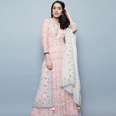 From the latest lehengas to cocktail gowns, traditional trousseaus to languid lingerie - we have you covered for the best of Indian Bridal Fashion! Indian Suits, Indian Attire, Indian Ethnic Wear, Indian Style, Punjabi Suits, Indian Bridal Fashion, Asian Fashion, Women's Fashion, Fashion Trends