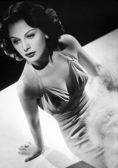 Old school Hollywood glamour - The beautiful Hedy Lemmar