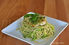 Give Peas a Chance: Pesto Chicken Pasta with Zoodles #zoodles #zucchinni