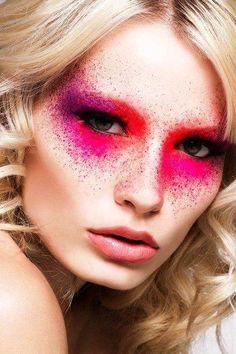 Beautiful ladies eye makeup Fashion Editorial Makeup, High Fashion Makeup, Fashion Art, Swag Fashion, Estilo Fashion, Trendy Fashion, Latest Fashion, Make Up Looks, Eyeshadow Looks