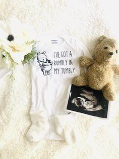 Disney Baby Announcement, Cute Baby Announcements, Creative Pregnancy Announcement, Baby Announcement Photos, Pregnancy Announcement To Parents, Baby Shower Announcement, Baby Shower Gender Reveal, Baby Gender, Baby Baby