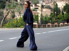 #silk #navy #streetstyle #mallorca #trends #fashion #blogger #ootd #helloshopping #repeat #mango #style #vogue #classic #pajamas #pyjama #slipdress #effortless #sophisticated #elle #madame #flair #cosmopolitan #spring