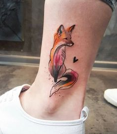 Stunning Fox Tattoos on Leg