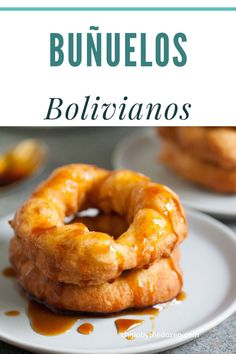 Buñuelos (Bolivian Donuts) are spongy fritters or donuts served with molasses. These buñuelos are found throughout Bolivia. Bolivian Food, Bolivian Recipes, Fun Foods To Make, Food To Make, Around The World Food, Recipe Scrapbook, Spanish Dishes, Delicious Donuts, Latin Food