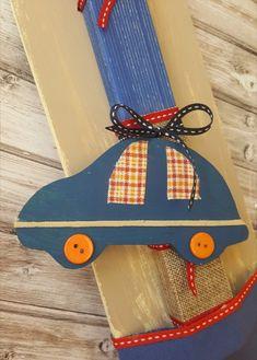 Χειροποίητη λαμπάδα με ξύλινο αυτοκίνητο σε ξύλινη βάση. Η κορδέλα είναι βαμβακερή σε αποχρώσεις κόκκινο και μπλε. Το κάδρο με το ξύλινο αυτοκίνητο μένουν ως ενθύμιο. #πάσχα #pasxa #Easter #Ανάσταση#νονός #νονά #λαμπάδα #χειροποίητες #handmade #Πασχαλινέςλαμπάδες #pasxalineslampades #αυτοκίνητο Greek, Easter, Candles, Christmas Ornaments, Holiday Decor, Home Decor, Decoration Home, Room Decor, Easter Activities
