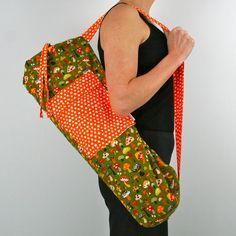 Yoga Mat Bag in Mushrooms with a Zipper Pocket. $39.00, via Etsy. Urban Gear, Meditation Pillow, Yoga Strap, Yoga Mat Bag, Yoga For Kids, Hand Sewing, Stuffed Mushrooms, Diy Projects
