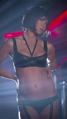 Celebs who can't stand Jennifer Aniston - Celebrities Female Old Actress, American Actress, Jennifer Aniston Legs, Jennifer Aniston Horrible Bosses, Jennifer Aniston Pictures, Jeniffer Aniston, John Aniston, Manequin, Black Lingerie