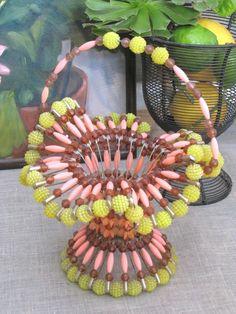 Safety Pin Basket, I used to make these! Safety Pin Crafts, Safety Pin Jewelry, Safety Pins, Bracelet Knots, Bracelets, Easter Lamb, Vintage Easter, Easter Baskets, Easter Crafts