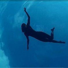 Nuotare nel blue di Palmarola..... (Palmarola - Ponza)
