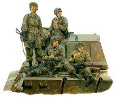 3rd Fallschirmjäger Division, Ardenas 1944, van subidos en un Tiger II, uno porta una MG-42 y el otro un subfusil Sten