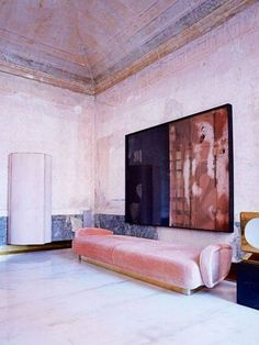 fall fashion trends pink room with pink velvet sofa