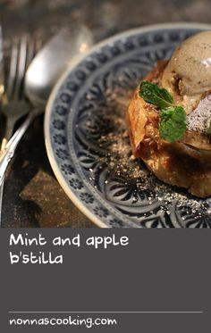 Mint and apple b'stilla Custard Desserts, Delicious Desserts, Apple Recipes, Wine Recipes, Mint Custard, Pastry Recipes, Dessert Recipes, Golden Delicious Apple, Kinds Of Pie