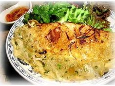 ベトナム主婦仕込みのバインセオのレシピを大公開。ハーブなどといっしょに、サニーレタスなどで包んで食べるのがベトナムスタイル。材料が手にはいらないときのためのアレンジメニューもご用意しました!