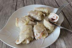 Gli involtini di pollo sono una ricetta semplice e veloce, personalizzabile con tutto ciò che più vi piace. Tutti infatti abbiamo in casa un petto di pollo, o delle fettine, e solitamente, forse per mancanza di tempo, forse per pigrizia, ci limitiamo a grigliarle e servirle con una spruzzata di limo
