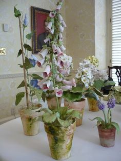 Porcelain foxglove flowers by Pamela Tidwell (Vieuxtemps Porcelain) via The Peak of Chic
