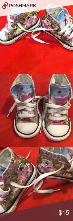 Snazzy Floral Converse Chuck Taylor Floral Hightop Converse Chuck Taylors . Size 4C Converse Shoes Sneakers