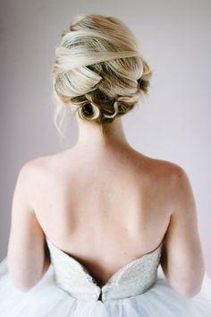 Bridal Upstyle // Marilyn Monroe Bridal Portrait Inspiration // Debbie Lourens Photography // Marnel Toerien Hair Make Up // ConfettiDaydreams.com Wedding Blog